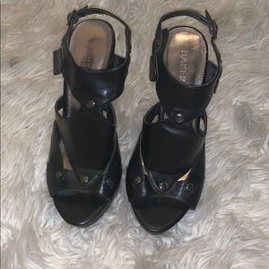 Size 8 Bakers 4 inch leather heels
